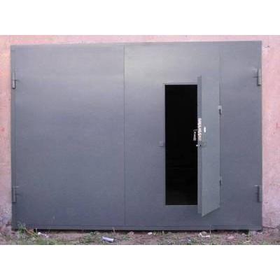 Гаражные ворота со встроенной калиткой